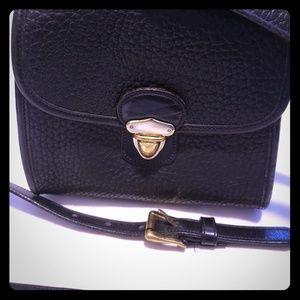 Handbags - Black crossbody vintage purse
